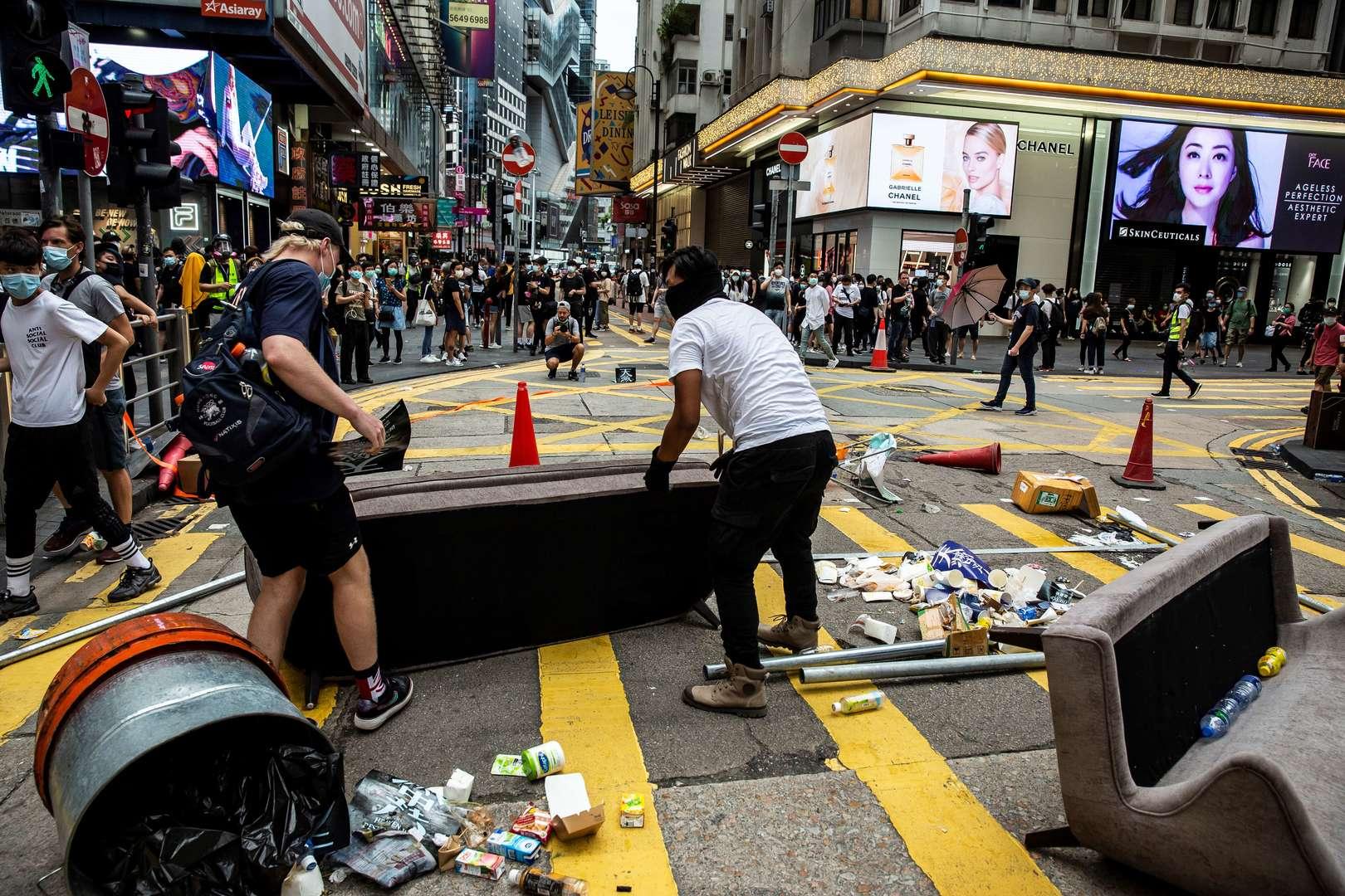 A Hong Kong, des milliers de personnes manifestent contre un projet de loi chinois