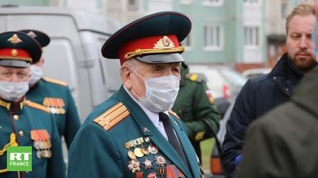 75 ans de la victoire contre le fascisme : si tu ne vas pas au défilé, que le défilé vienne à toi
