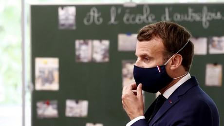 Emmanuel Macron à Poissy (Yvelines), le 5 mai.