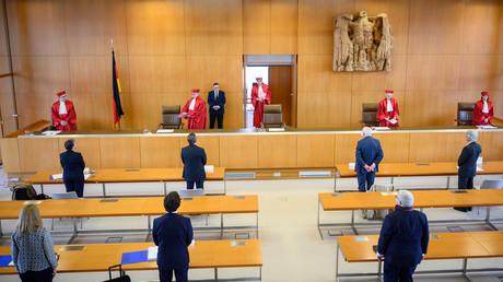 Les juges de la Cour constitutionnelle allemande s'apprêtent à rendre leur verdict sur la légitimité de la politique monétaire de la Banque centrale européenne le 5 mai 2020, à Karlsruhe en Allemagne.
