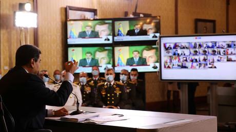 Le président du Venezuela Nicolas Maduro tient une conférence de presse virtuelle à Caracas, Venezuela, le 6 mai 2020.