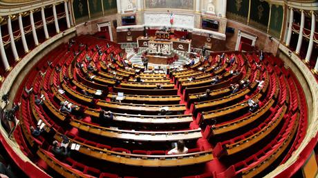 L'Assemblée nationale devrait prochainement voir arriver un nouveau groupe parlementaire qui ne se situera ni dans l'opposition ni dans la majorité (image d'illustration).