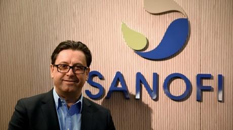 Le PDG du groupe Sanofi, Paul Hudson, le 6 février 2020, au siège du laboratoire, à Paris (image d'illustration).