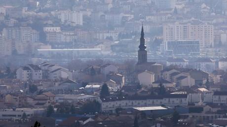 Soignants en colère : en plein Covid-19, l'hôpital de Saint-Etienne prévoirait une restructuration