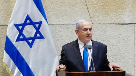 Photographie publiée par le bureau du porte-parole de la Knesset israélienne le 17 mai 2020, montrant le Premier ministre israélien Benjamin Netanyahou.
