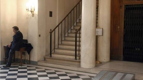 Le leader du Modem François Bayrou dans les couloirs de l'Assemblée nationale (image d'illustration).