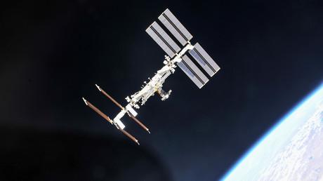 La Station spatiale internationale (ISS) photographiée par les membres de l'équipage de l'expédition à partir du vaisseau spatial Soyouz, le 4 octobre 2018
