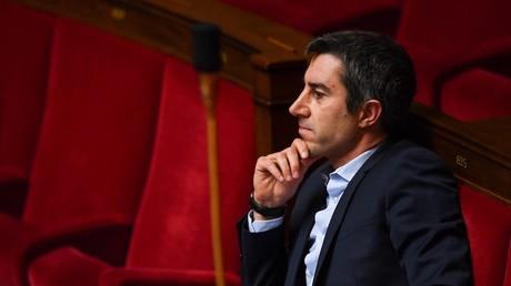 François Ruffin, député France insoumise, réagit lors d'un débat sur le projet de loi de réforme des retraites, à l'Assemblée nationale à Paris, le 17 février 2020 (image d'illustration).