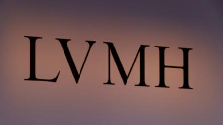 Le géant de l'industrie du luxe LVMH produit en grande quantité des flacons de gels hydroalcooliques à destination des hôpitaux (image d'illustration).