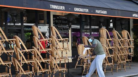 Les terrasses des établissements sont officiellement fermées jusqu'au 2 juin (photo prise le 30 mai à Paris).