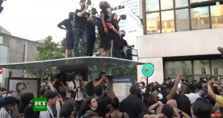 «Justice pour Adama» : les temps forts de la manifestation à Paris en images