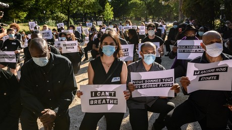 Manifestation devant l'ambassade des Etats-Unis à Paris le 1er juin 2020.