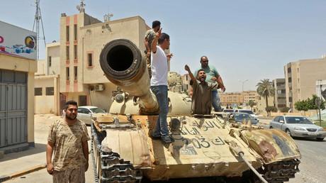 Des combattants pro-GNA dans la ville de Tarhouna, le 5 juin 2020.