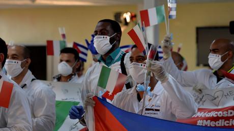 Une brigade de médecins cubains à l'aéroport José-Marti de retour d'Italie, à La Havane, le 8 juin (image d'illustration).