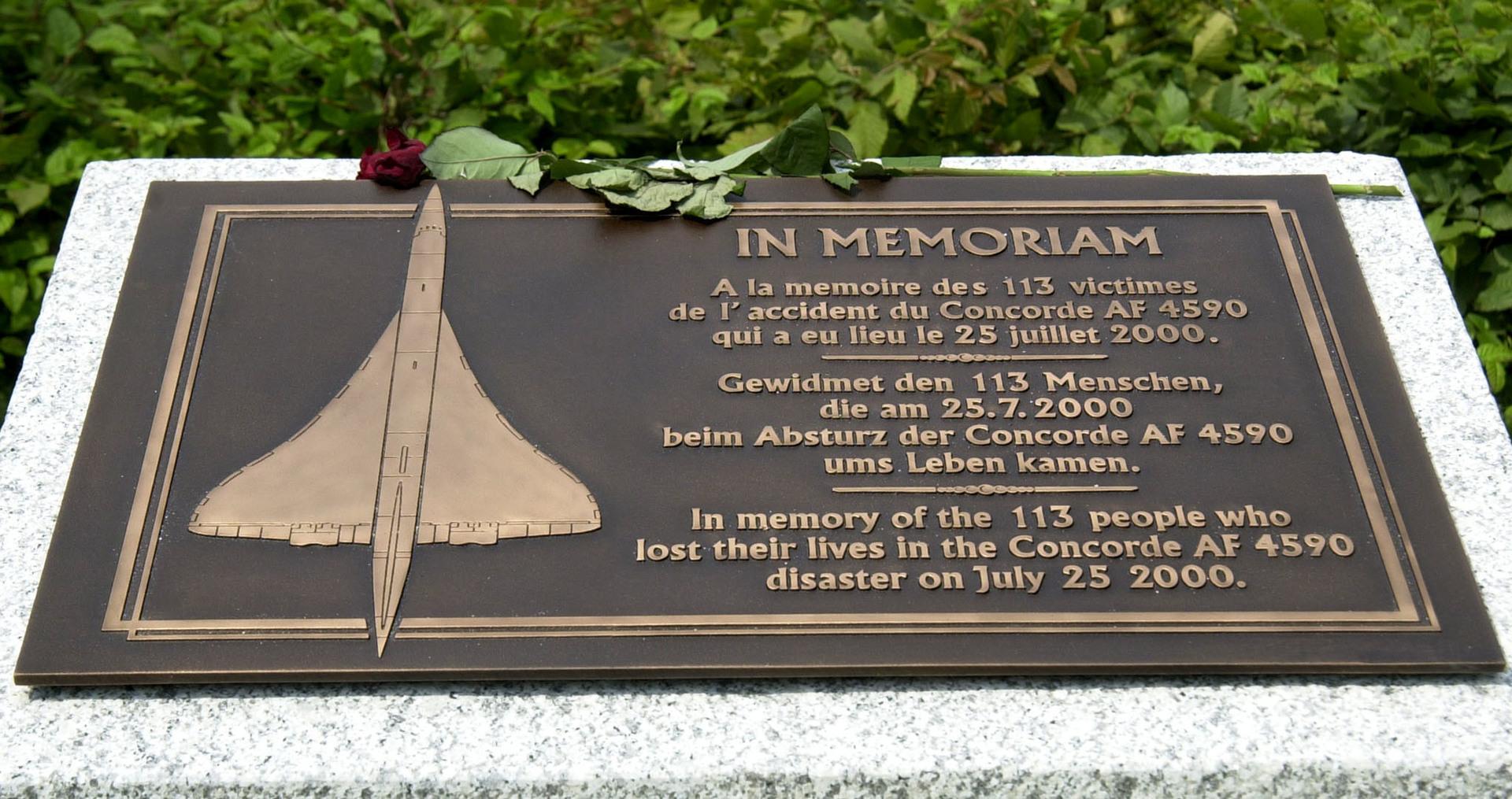 Accident du Concorde, 20 ans après : retour en images sur le crash