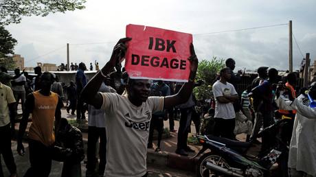 Des milliers de manifestants ont protesté à Bamako le 10 juillet.