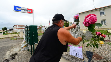 Marche blanche en hommage à Mélanie Lemée, gendarme tuée par un chauffard dans le Sud-Ouest