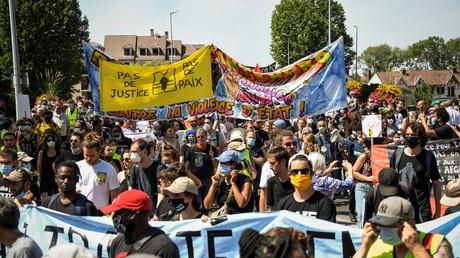 Manifestation le 18 juillet à Beaumont-sur-Oise, quatre après la mort d'Adama Traoré.