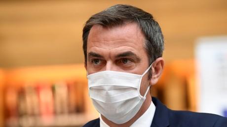 Le ministre français de la Santé, Olivier Véran,  le 21 juillet 2020 au ministère de la Santé à Paris.