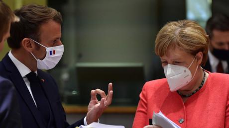 Emmanuel Macron et Angela Merkel, lors du sommet européen de Bruxelles, le 20 juillet (image d'illustration)