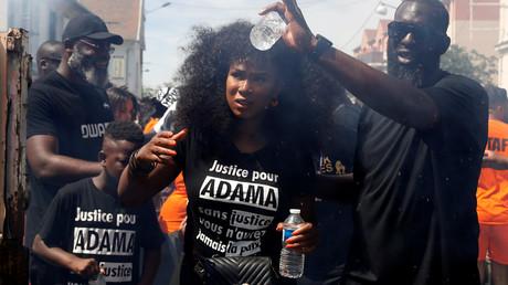 Assa Traoré lors d'une marche en mémoire d'Adama Traoré, le 18 juillet 2020, à Beaumont-sur-Oise, dans le Val d'Oise (image d'illustration).