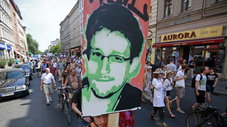 Portait du lanceur d'alerte Edward Snowden.