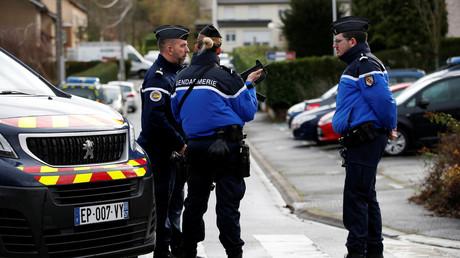 Les gendarmes recherchent activement les agresseurs du maire de la ville (photo d'illustration)