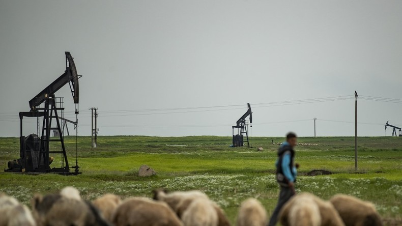 Damas qualifie de «vol» la signature d'un accord pétrolier au nord-est de la Syrie