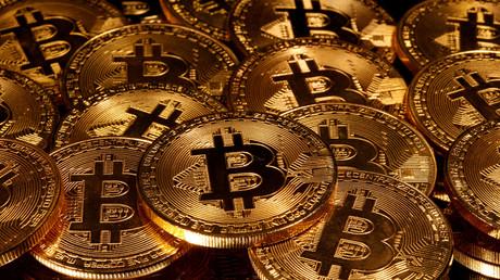Le Bitcoin franchit brièvement la barre des 10 000 euros, plus haut niveau depuis un an