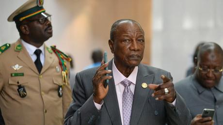 Le président guinéen Alpha Condé arrive au siège de l'Union africaine à Addis-Abeba, le 10 février 2020 (image d'illustration).