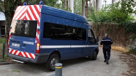 Un fourgon de la gendarmerie, le 28 juillet 2011, à Rennes (image d'illustration).
