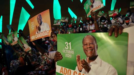 Des soutiens du président ivoirien Alassane Ouattara à Abidjan, le 29 juillet 2020 (image d'illustration).