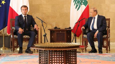 Le président français Emmanuel Macron et le président libanais Michel Aoun, au palais présidentiel de Baabda, au Liban, le 6 août 2020 (image d'illustration).