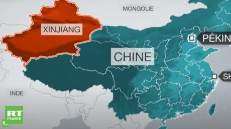 Situé à l'extrême-ouest de la Chine, le Xinjiang est l'une des cinq régions autonomes du pays. Ce vaste espace de plus d'un million et demi de kilomètres carrés est peuplé de plusieurs ethnies, dont celle des Ouïghours, une population turcophone majoritairement composée de musulmans sunnites.