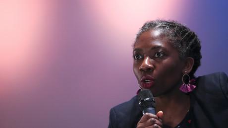 La députée de La France Insoumise (LFI) Daniele Obono prend la parole lors d'une réunion pour marquer la Journée internationale de la femme à Bobigny, près de Paris. (illustration)