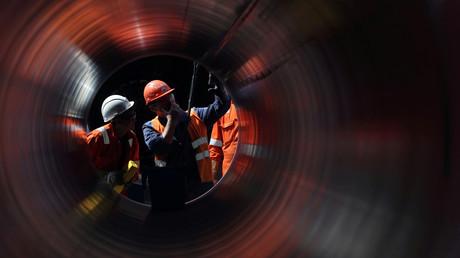 Des travailleurs sur le site de construction du gazoduc Nord Stream 2, près de la ville de Kingisepp, dans la région de Leningrad, en Russie, en juin 2019 (image d'illustration).