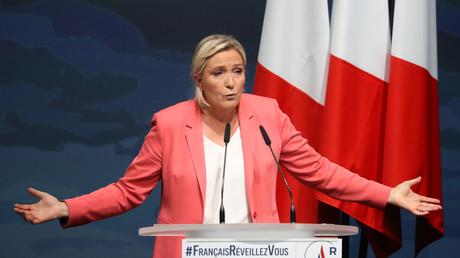 Marine Le Pen pendant son meeting à Fréjus le 6 septembre.