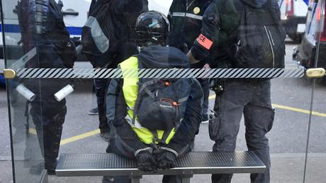 Un gilet jaune interpellé par les forces de l'ordre en marge de la manifestation du 23 février 2019 à Epinal (image d'illustration).