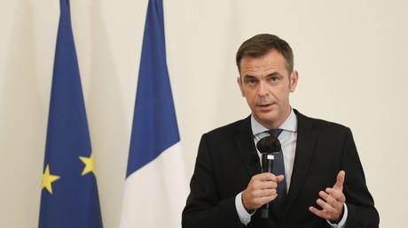 Le ministre français de la Santé s'exprime lors d'une conférence de presse le 17 septembre 2020 à Paris.