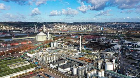 La zone industrielle de Rouen en Normandie le 9 décembre 2019, avec l'usine de Lubrizol endommagée par un grand incendie le 26 septembre 2019, au centre (image d'illustration).