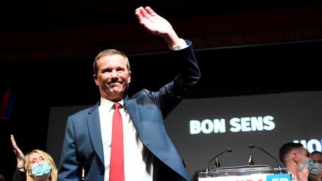 Nicolas Dupont-Aignan lors de son discours de clôture aux universités de rentrée de Debout la France.