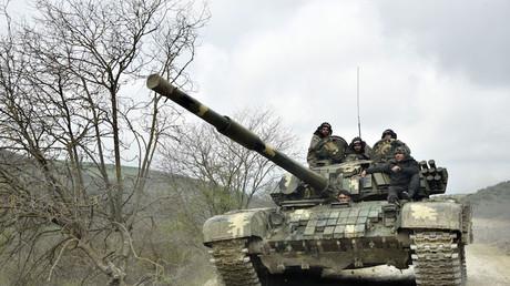 Un tank de l'armée de défense du Nagorny Karabagh près de la capitale de la région séparatiste Stepanakert, le 6 avril 2016 (image d'illustration).