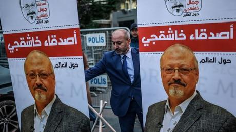 Portrait de Jamal Khashoggi arboré en marge du procès de son meurtre à Istanbul (image d'illustration).