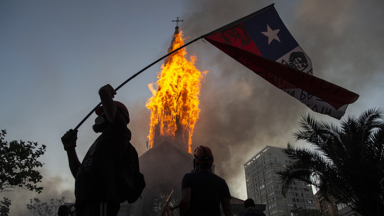 Chili : manifestation d'ampleur avant un référendum historique sur la Constitution