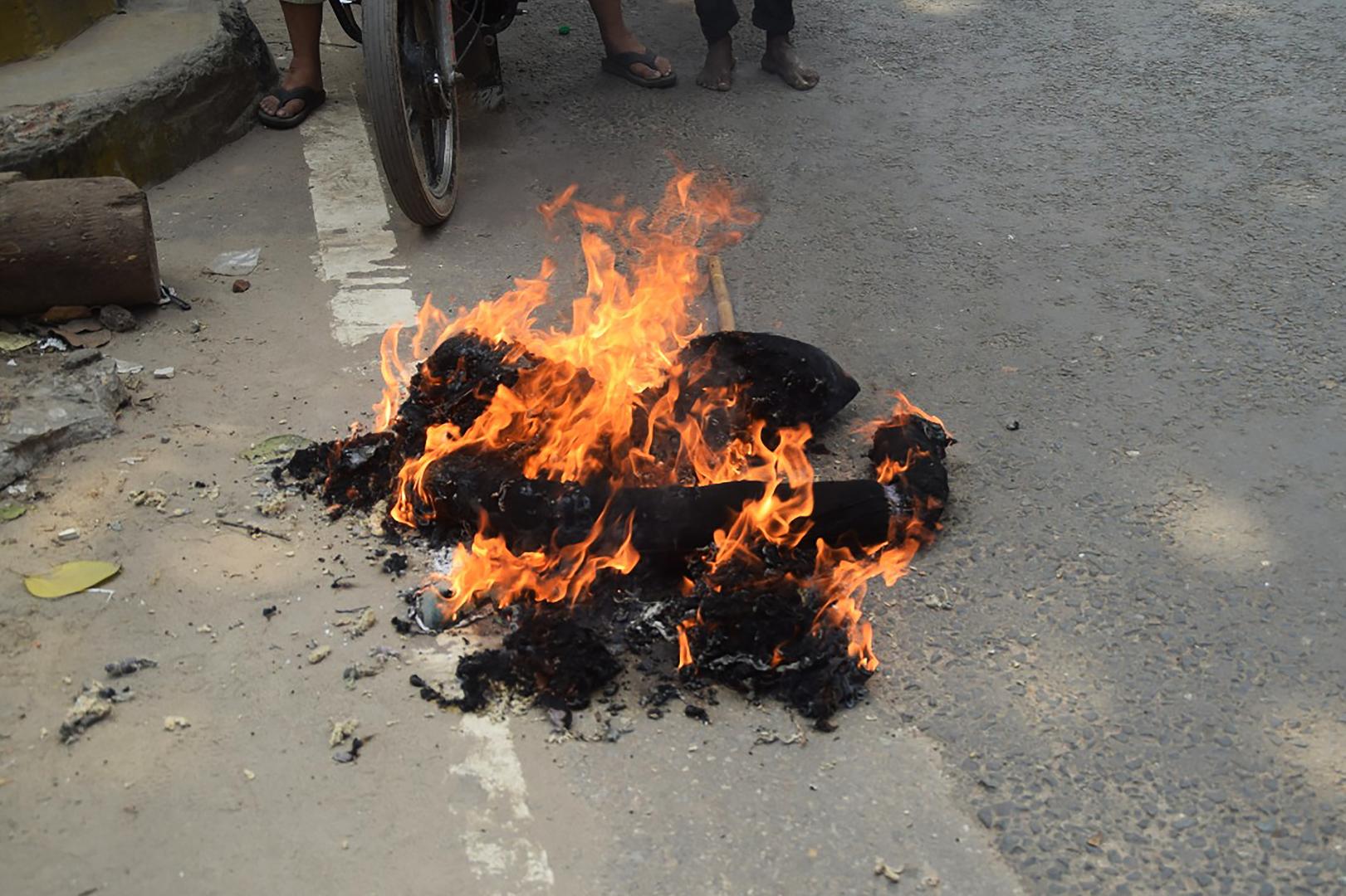 40 000 manifestants, une effigie brûlée : marche géante au Bangladesh contre les propos de Macron
