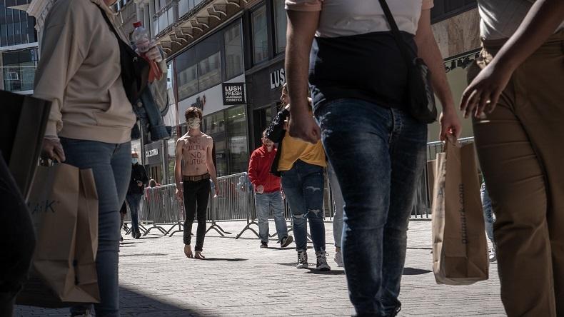 Covid = «No culture» ? Verbalisé pour une performance, un artiste belge refuse de payer l'amende