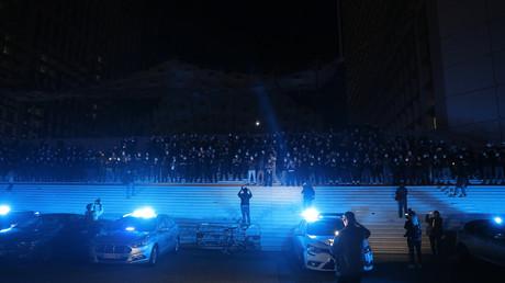 Des policiers nationaux se réunissent à la Défense le 15 juin après une déclaration de Christophe Castaner (image d'illustration).