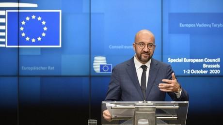 Le président du Conseil européen Charles Michel lors d'une conférence de presse à l'issue du premier jour du sommet de l'UE, le 2 octobre 2020.