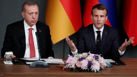 Recep Tayyip Erdogan aux côtés d'Emmanuel Macron (image d'illustration).