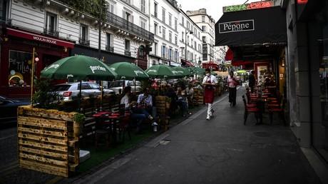 La terrasse d'un restaurant à Paris. (Image d'illustration)